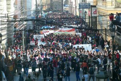 EL DESAFÍO DEL MOMENTO: Izquierda Nacional Democrática o Partido Obrero Revolucionario